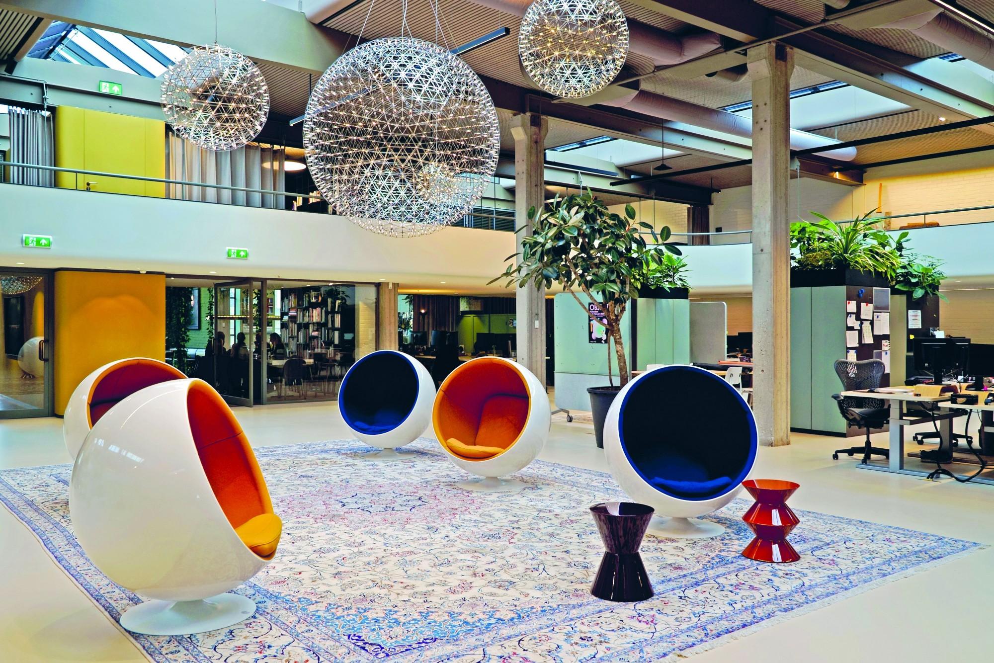 Post 65 architectuur in Den Haag  1965 - 1995